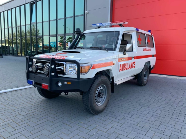 20150 Toyota Landcruiser 4×4 VDJ78L 4.5 V8 Diesel Ambulance (NEW) – Complete with BLS equipment – Only for sale outside the EU