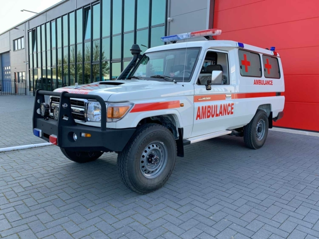 20155 Toyota Landcruiser 4×4 VDJ78L 4.5 V8 Diesel Ambulance (NEW) – Complete with ALS equipment – Only for sale outside the EU