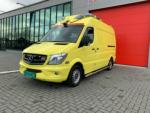 21005-Mercedes-Benz-Sprinter-319-CDI-Ambulance