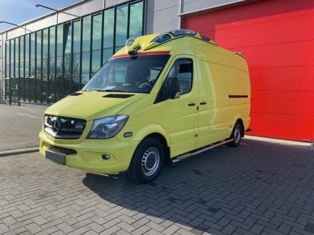 Mercedes-Benz Sprinter 319 CDI Ambulanza  – 2015 (21060)