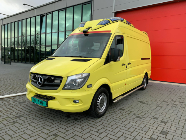Mercedes-Benz Sprinter 319 CDI Ambulance – 2014 (21005)