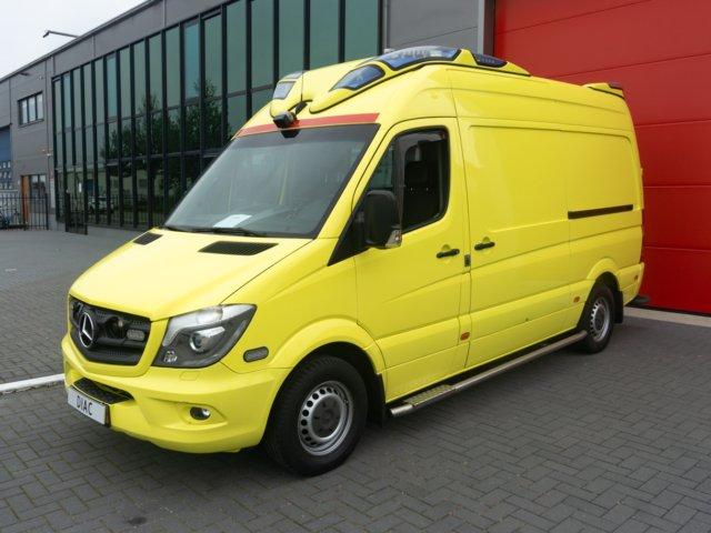 Mercedes-Benz Sprinter 319 CDI Ambulance -2014 (21005)