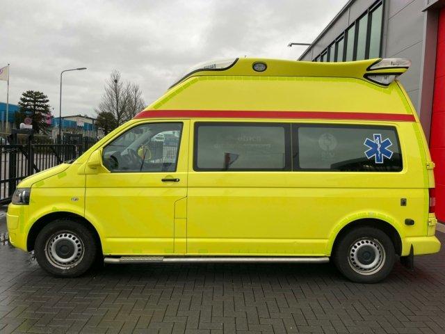 21015 Volkswagen Transporter Kombi 2.0 TDI L2H1 Ambulance – 2013