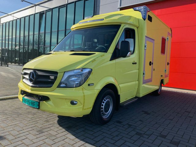 21020 MB 319 Sprinter Container Ambulance – 2015
