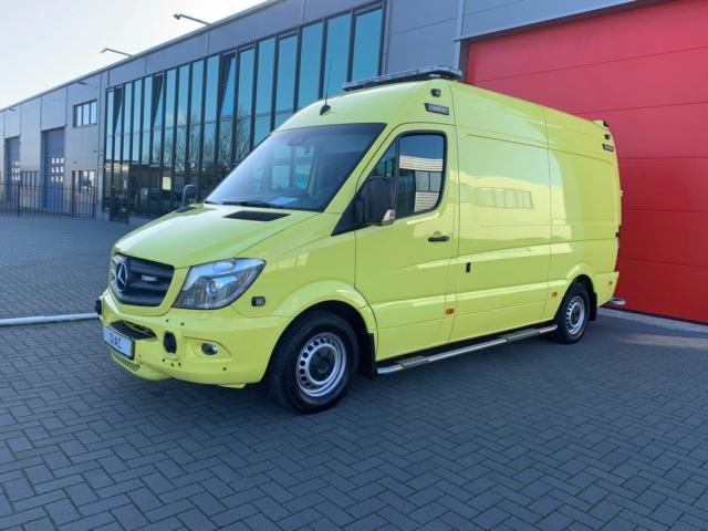 Privé: Mercedes Benz 319 CDI Sprinter Ambulance – 2015 (21055)