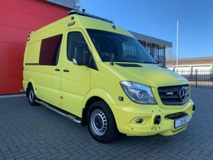 21055 Mercedes Benz 319 CDI Ambulance