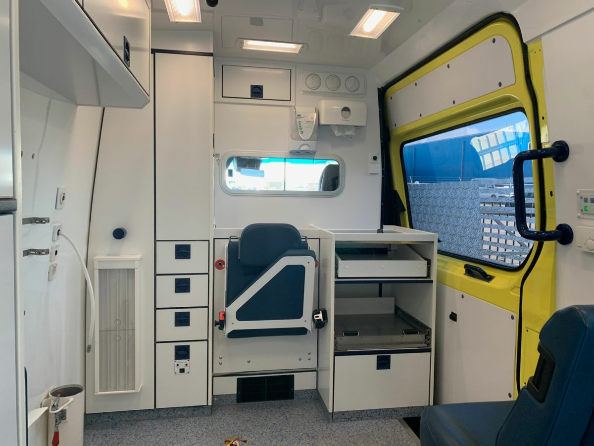 21045 Mercedes-Benz 319 CDI Sprinter Ambulance - 2016