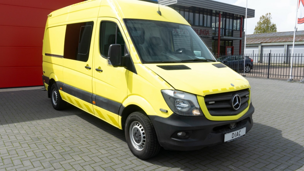 Mercedes-Benz Sprinter 319 CDI Ambulance – 2015