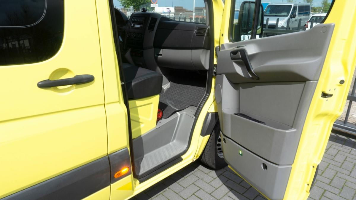 Mercedes-Benz Sprinter 316 CDI Ambulance (21)