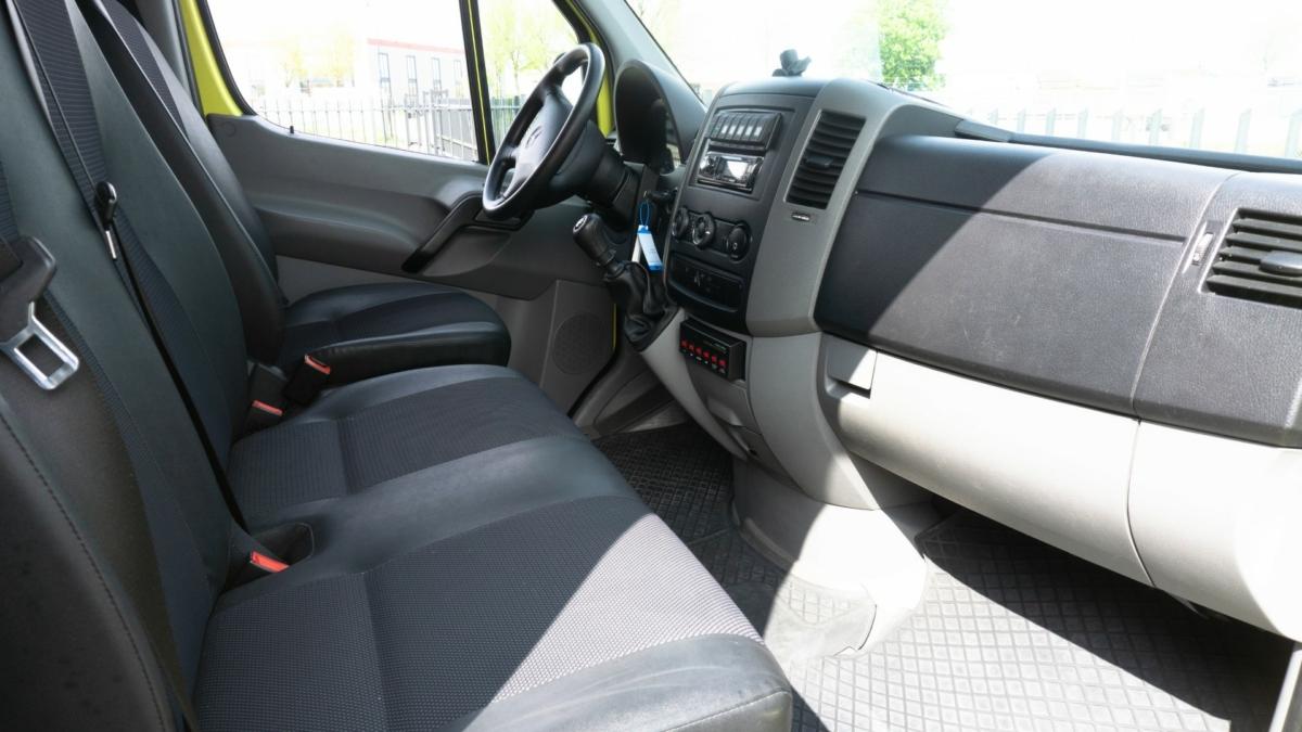 Mercedes-Benz Sprinter 316 CDI Ambulance (22)