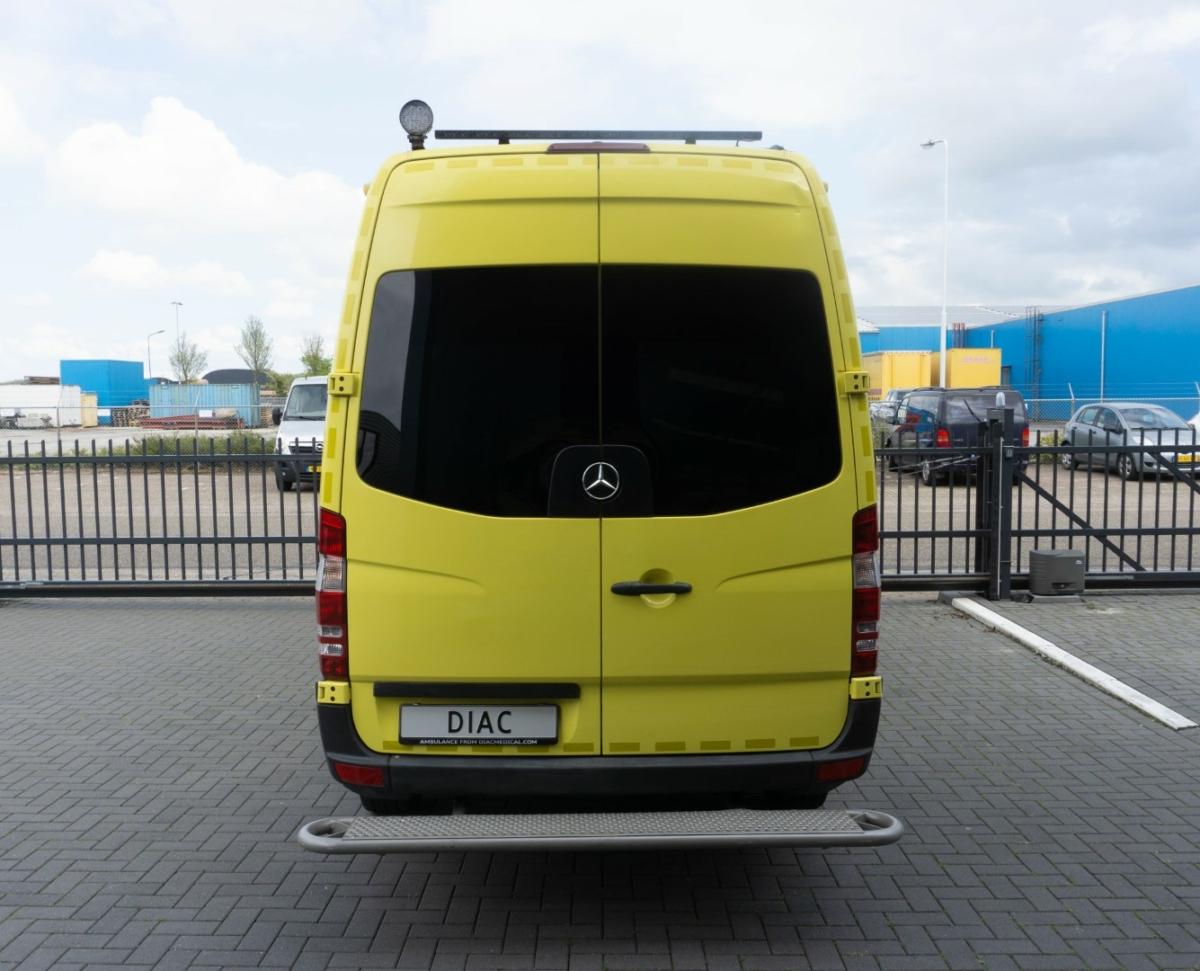 Mercedes-Benz Sprinter 316 CDI Ambulance - Back