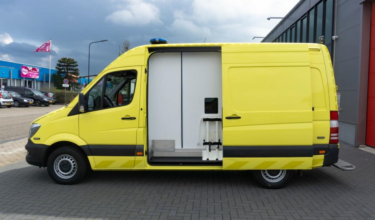 Mercedes-Benz Sprinter 316 CDI Ambulance (8)