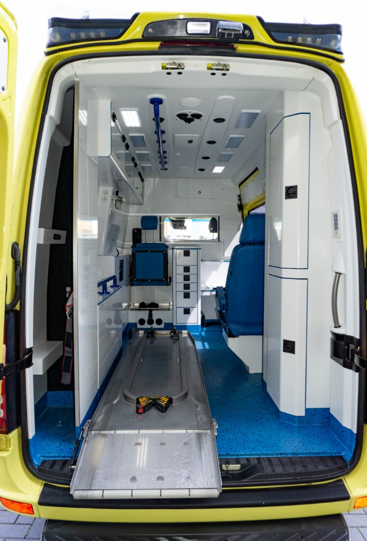 Mercedes-Benz Sprinter 319 CDI Ambulance (3)