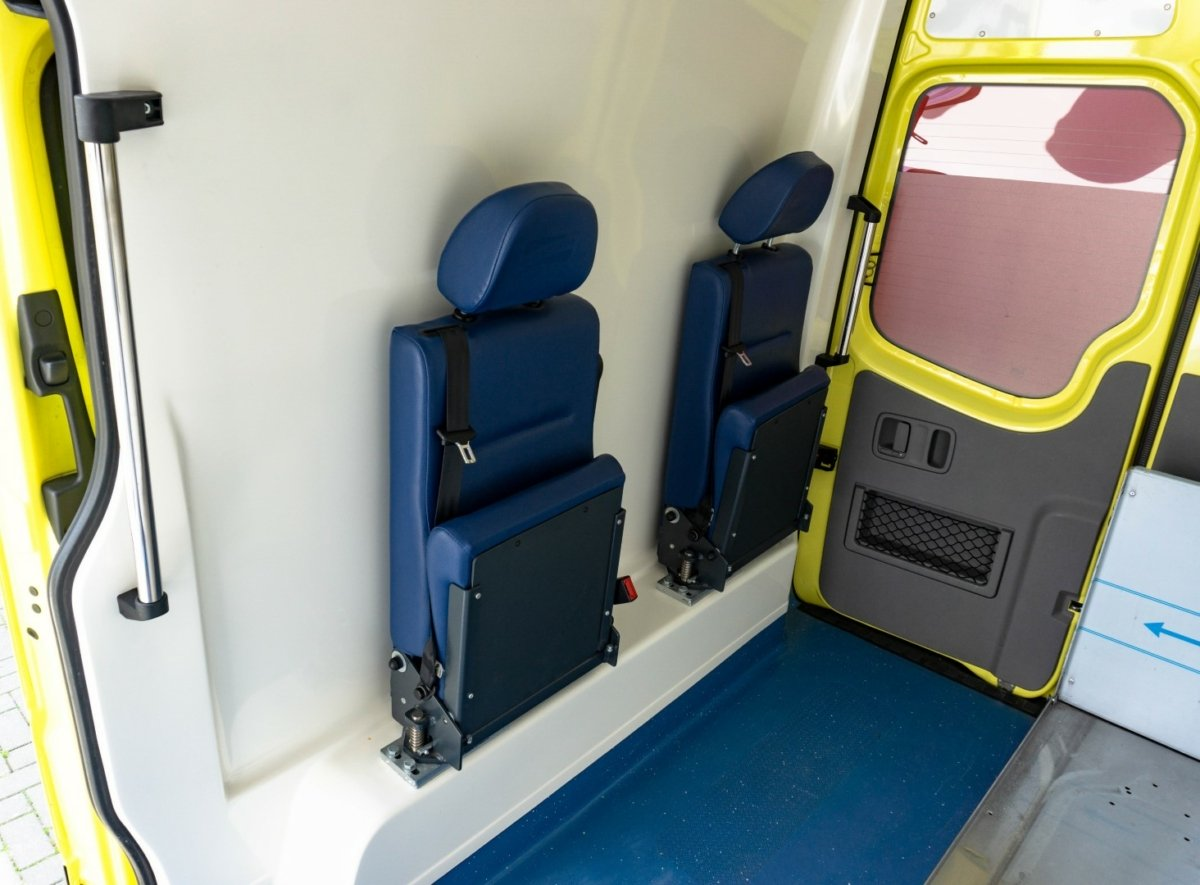 Mercedes-Benz Sprinter 316 CDI Ambulance (17)