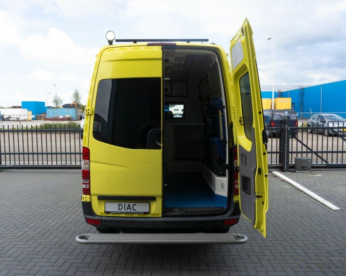 Mercedes-Benz Sprinter 316 CDI Ambulance - Back Door open