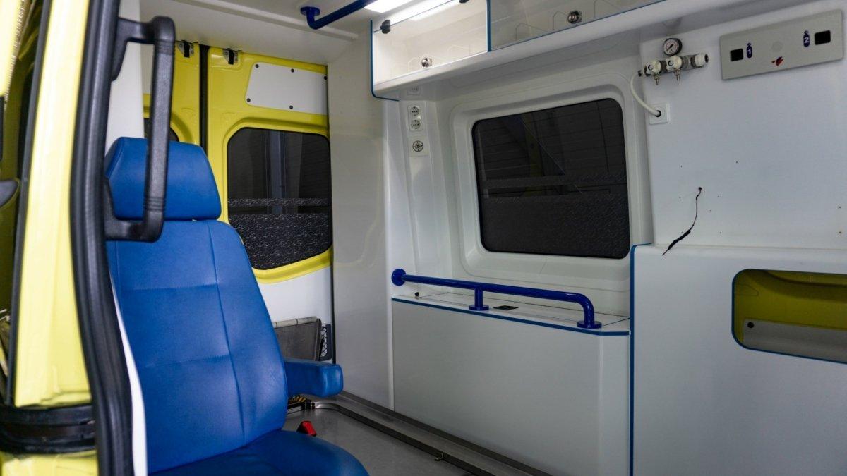 Mercedes-Benz Sprinter 319 CDI Ambulance (17)
