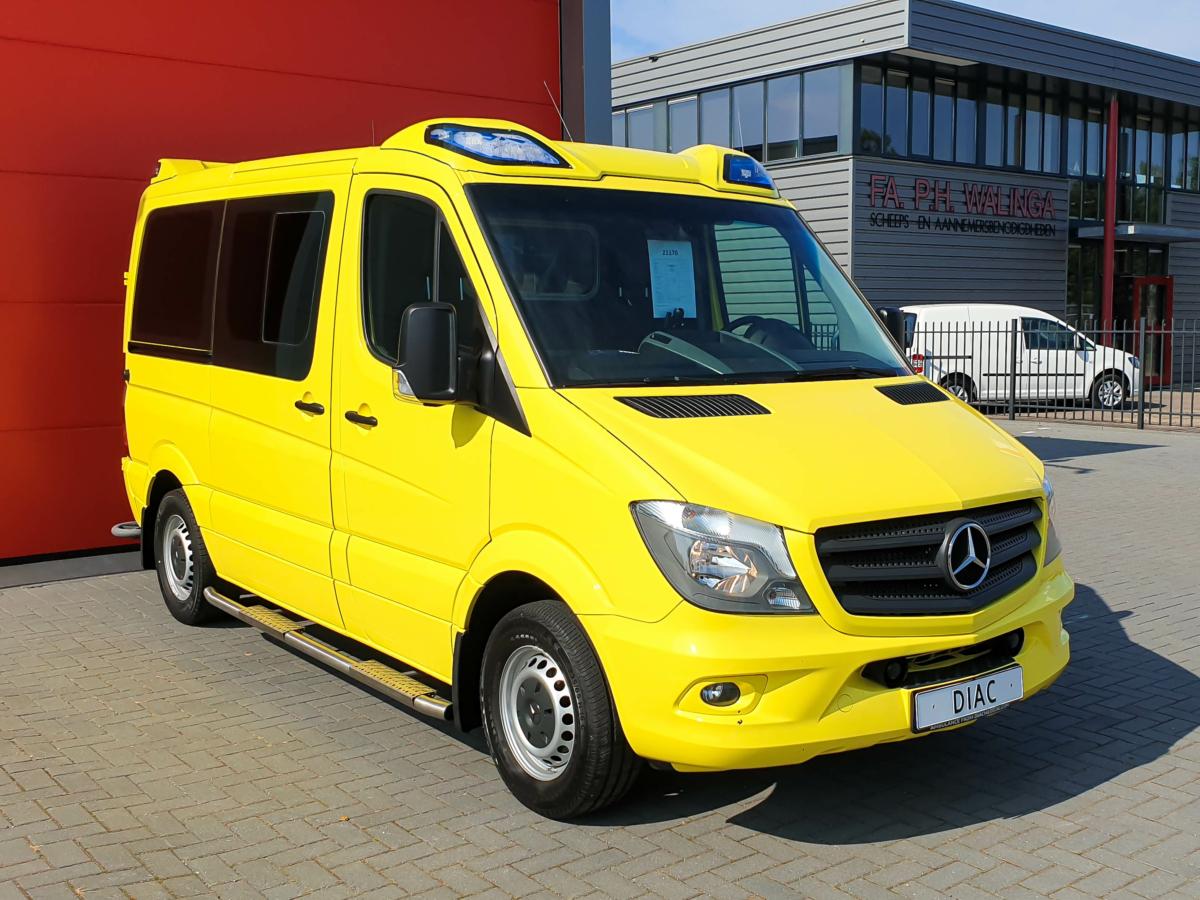Mercedes-Benz Sprinter 316 CDI Ambulance - Front 3