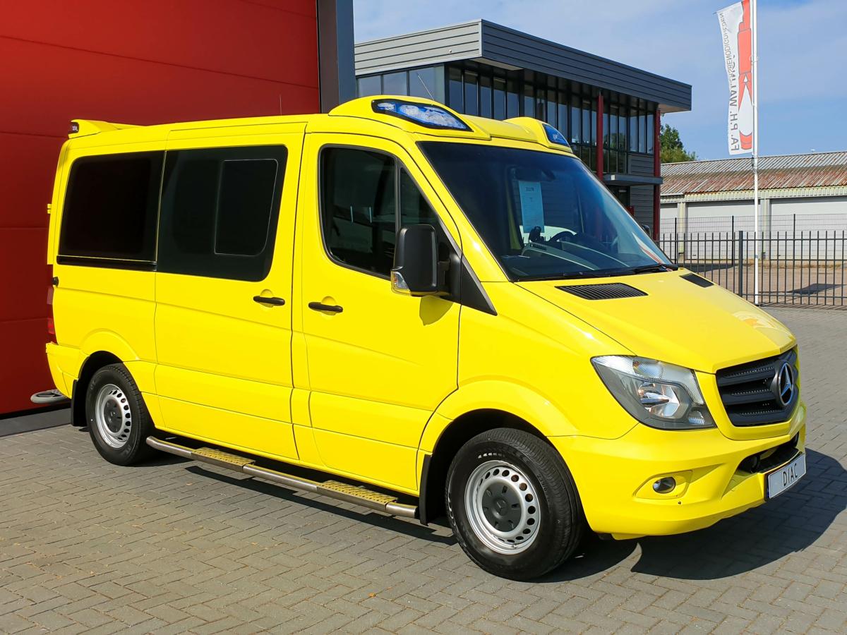 Mercedes-Benz Sprinter 316 CDI Ambulance - Front 4