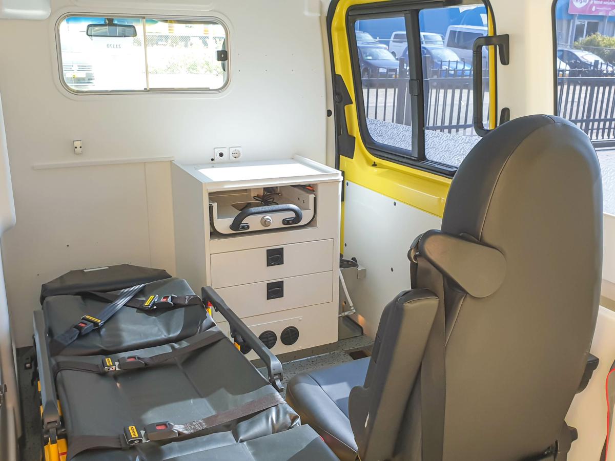 Mercedes-Benz Sprinter 316 CDI Ambulance - Inside 5