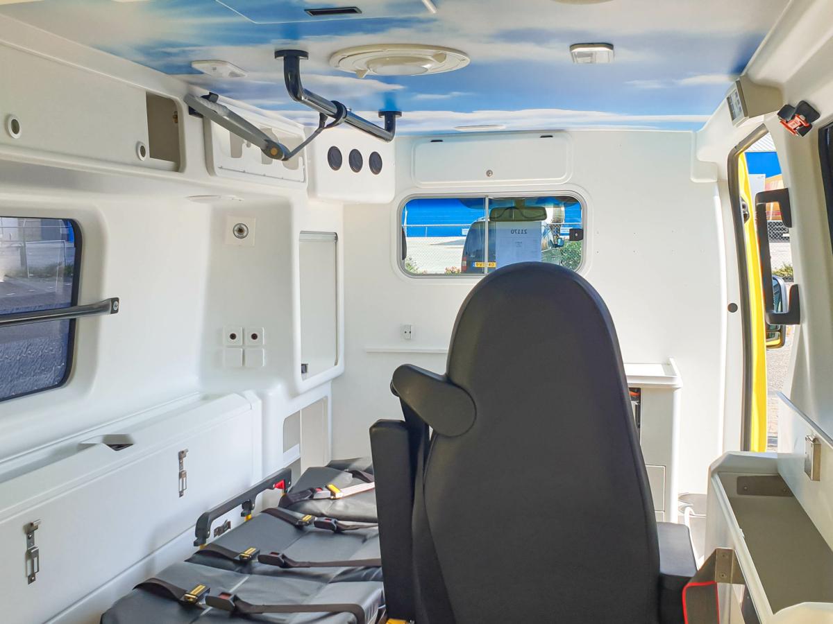 Mercedes-Benz Sprinter 316 CDI Ambulance - Inside 3