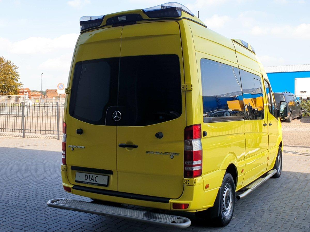 Mercedes-Benz Sprinter 319 CDI Ambulance - Back Doors