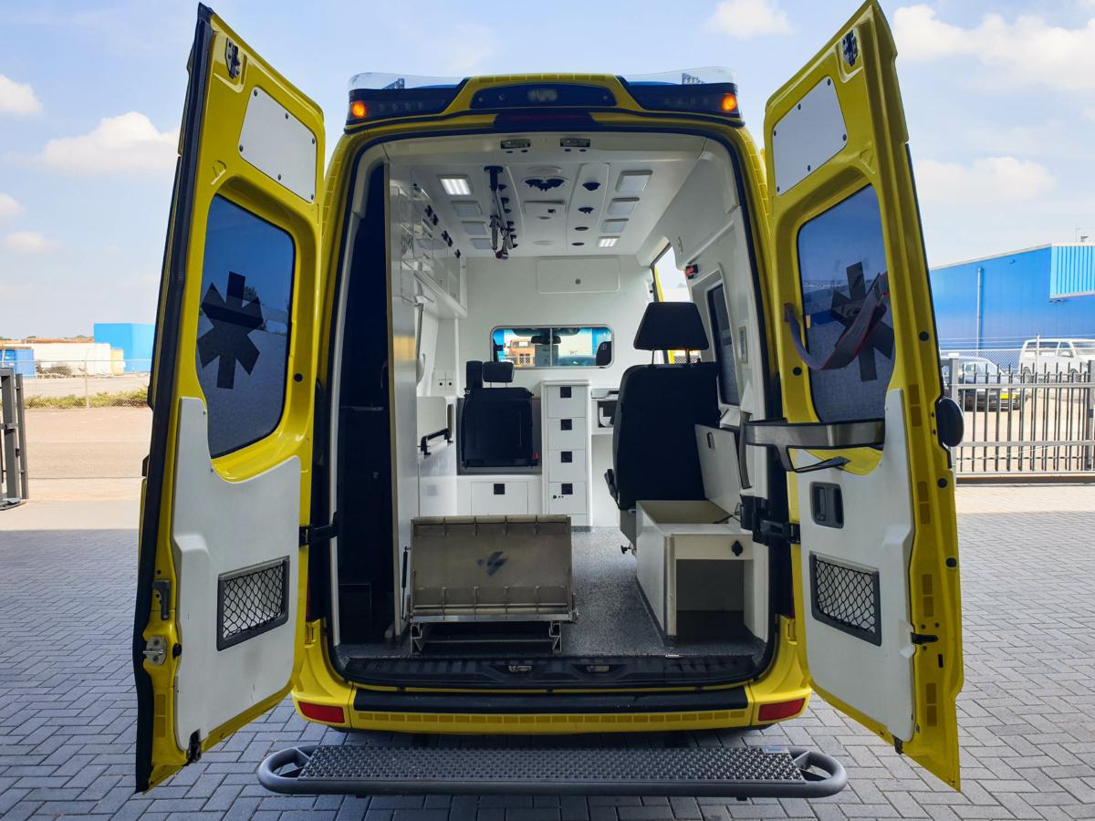 Mercedes-Benz Sprinter 319 CDI Ambulance (14)