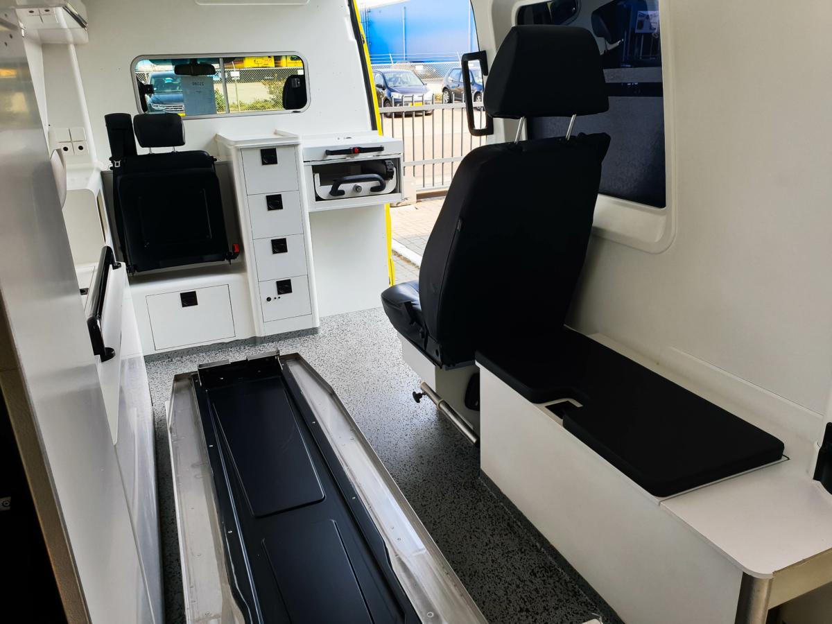 Mercedes-Benz Sprinter 319 CDI Ambulance - Inside