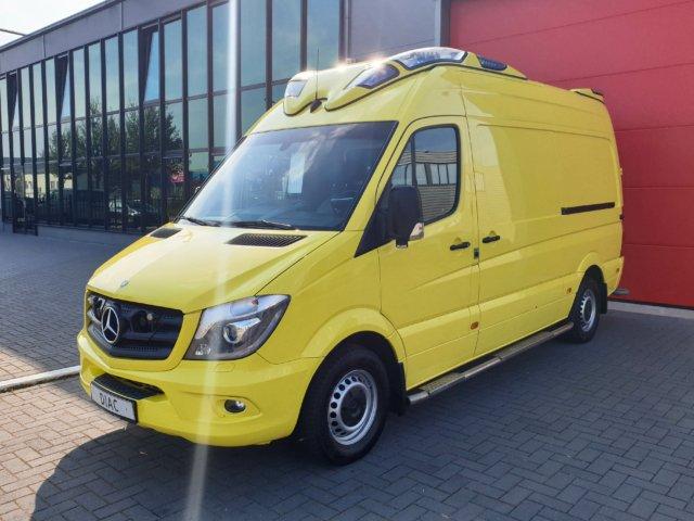 Mercedes-Benz Sprinter 319 CDI Ambulance – 2015 (21165)